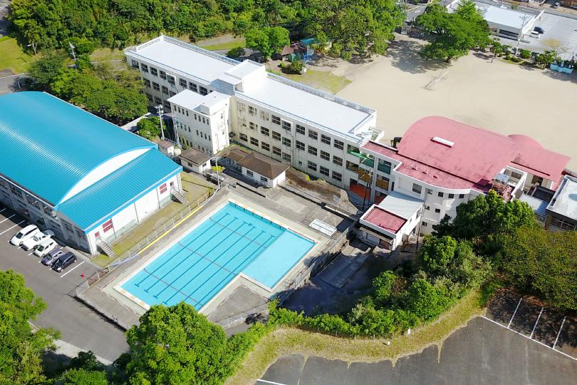 川辺小学校の上空写真